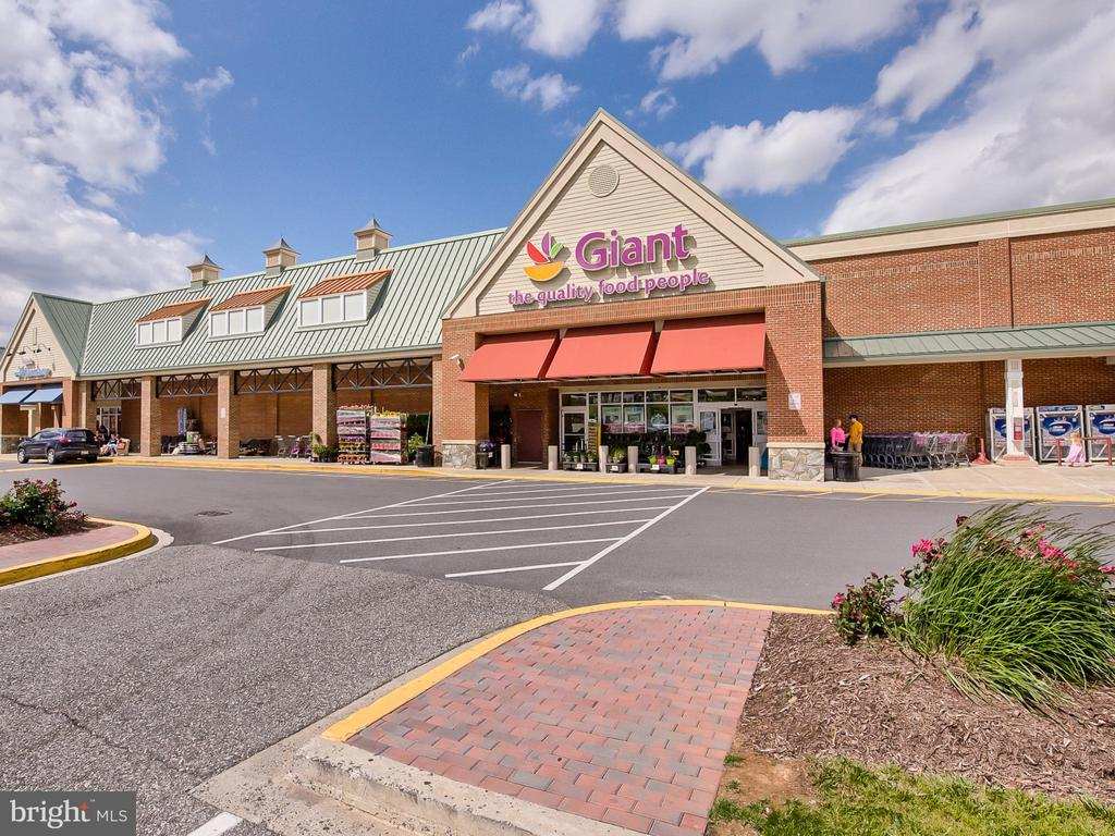 Retail Within Walking Distance - 8903 AMELUNG ST, FREDERICK