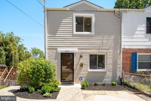 2318 RIVERVIEW TER