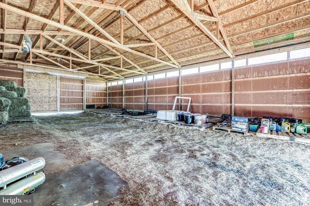 Interior of Equipment Barn - 37986 KITE LN, LOVETTSVILLE