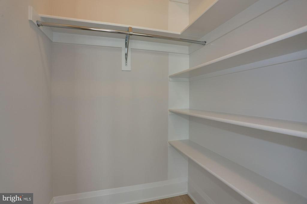 - 11 BAKERS WALK ST #CARLYLE LOT 603, ALEXANDRIA