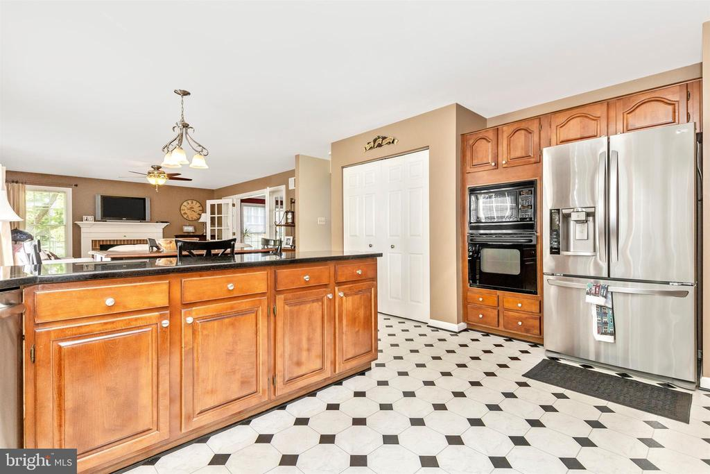 In additon to cabinets, a pantry! - 1014 MERCER PL, FREDERICK
