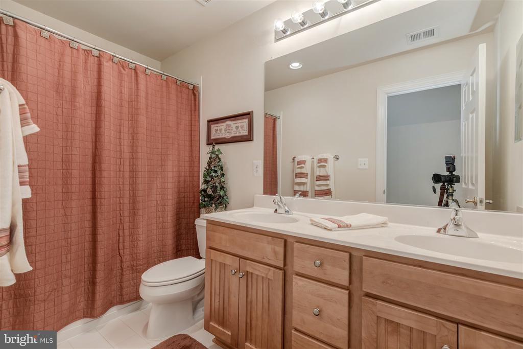 Bath - 7676 OAK FIELD CT, SPRINGFIELD