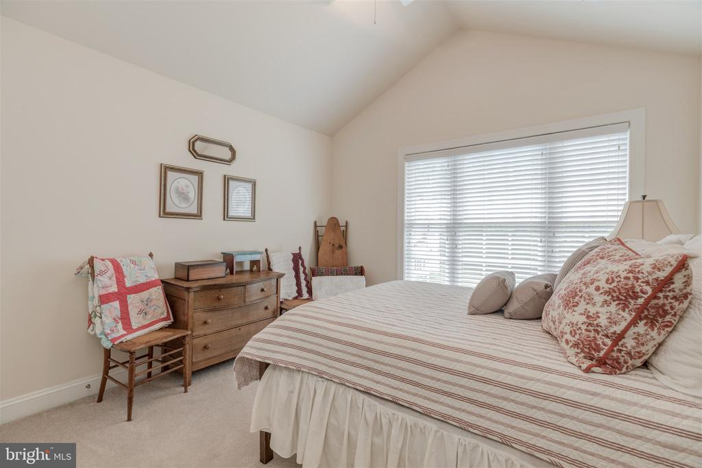 Fourth  Bedroom - 7676 OAK FIELD CT, SPRINGFIELD