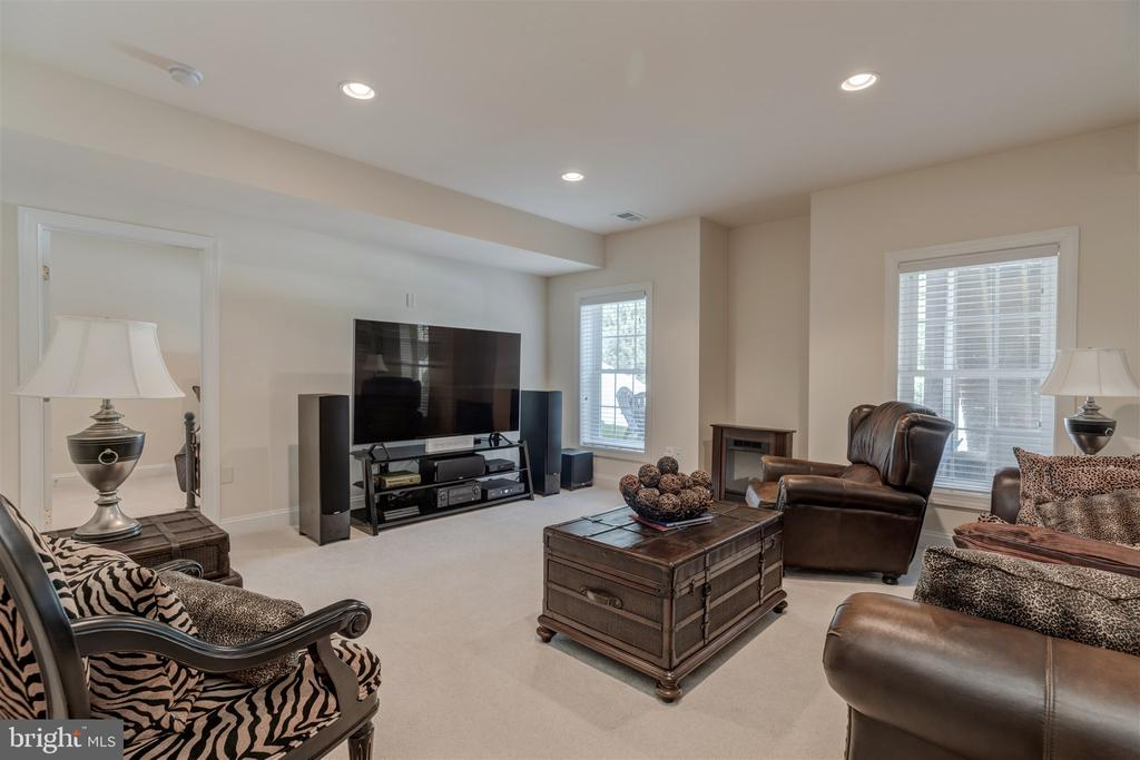 Rec Room - 7676 OAK FIELD CT, SPRINGFIELD