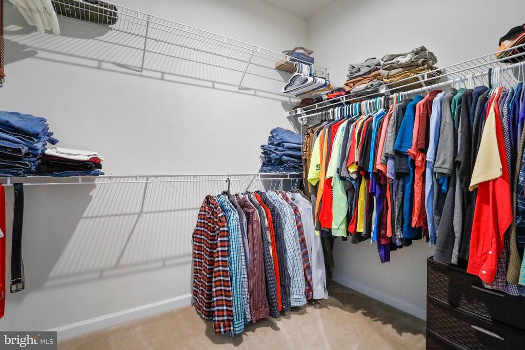 Walk-In Closet - 4886 HITESHOW DR, FREDERICK