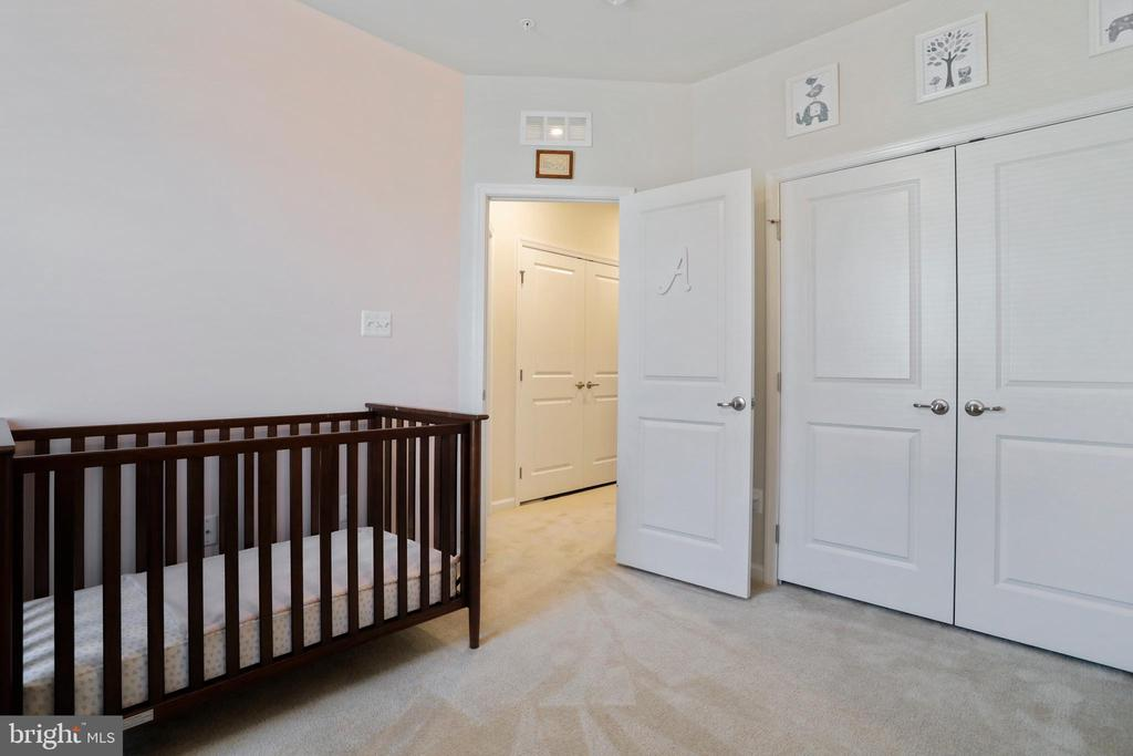 Second Bedroom - 4886 HITESHOW DR, FREDERICK