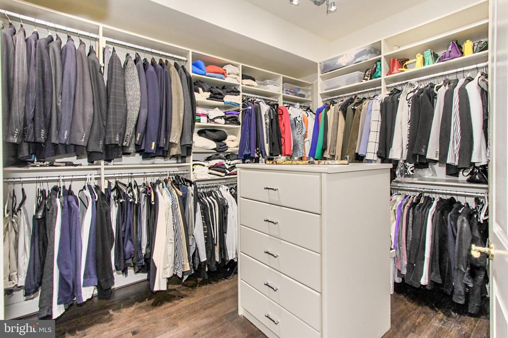 Owner~s Walk-in Closet - 1303 14TH ST N, ARLINGTON