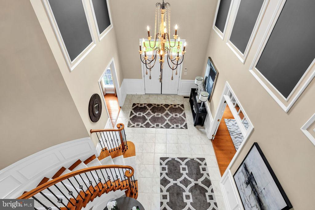 What a foyer - 19544 ROYAL AUTUMN LN, LEESBURG