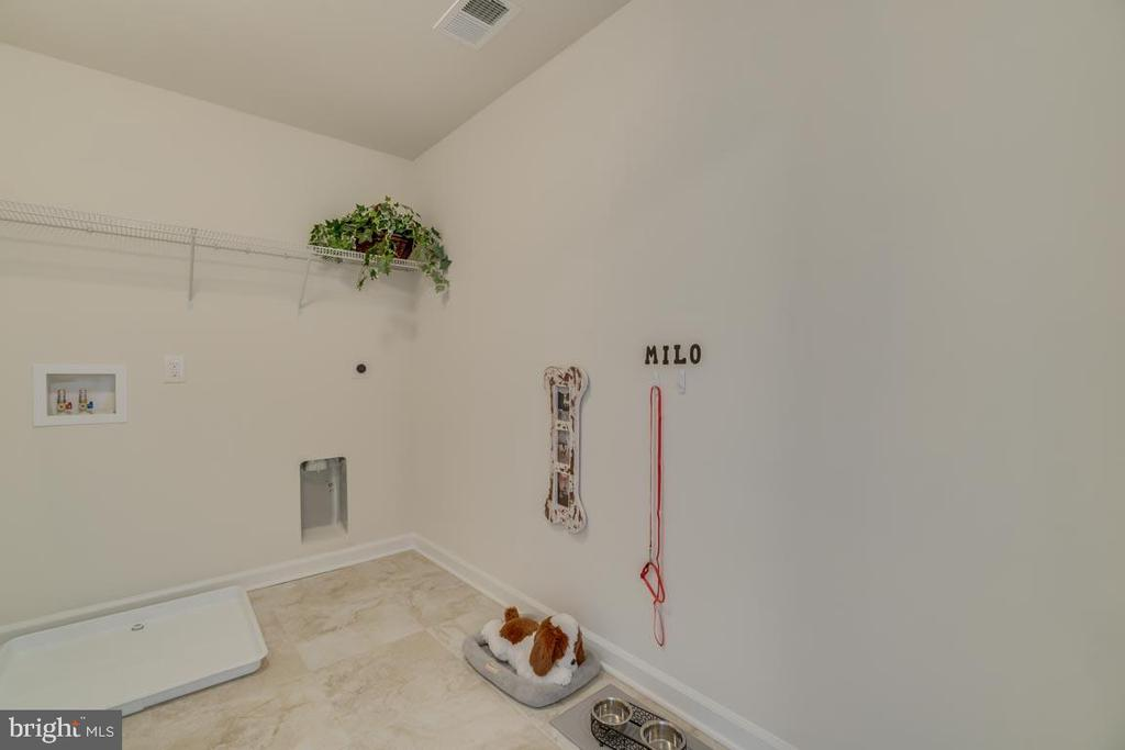 2nd Floor Laundry - 18 STILLWATER LN, FREDERICKSBURG
