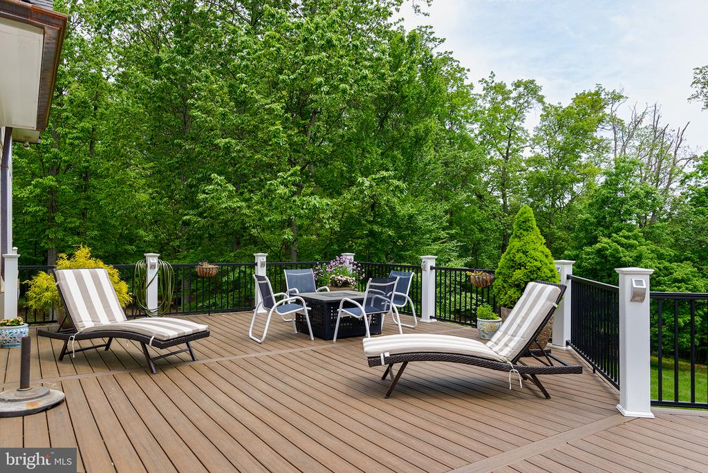 A second deck constructed with Trex material - 41430 FOX CREEK LN, LEESBURG