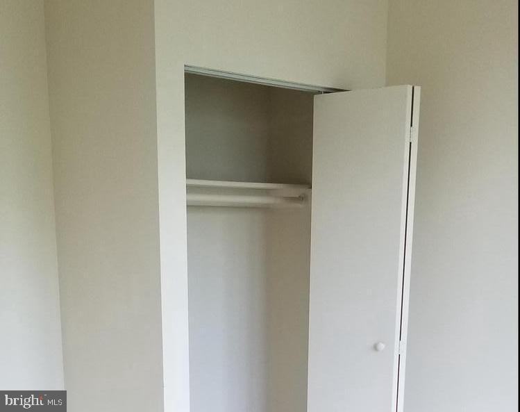 Nice size closet in 2nd bedroom - 301 S REYNOLDS ST #601, ALEXANDRIA