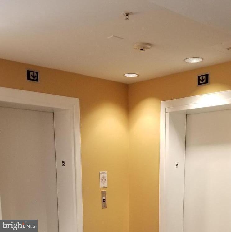 6 Floor elevators - 301 S REYNOLDS ST #601, ALEXANDRIA