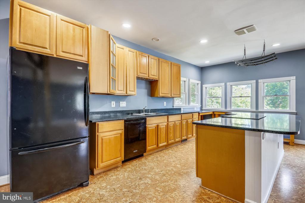 Kitchen - 4707 FORDHAM RD, COLLEGE PARK