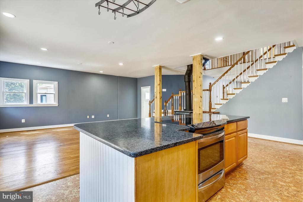 Kitchen - 4707 FORDHAM RD, COLLEGE PARK