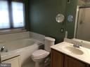 Double vanity, soaking tub and separate shower - 4830 OLD HOLTER RD, JEFFERSON