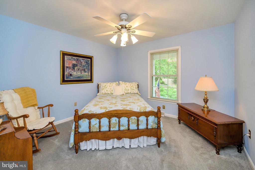 Bedroom 1 with new carpet, ceiling fan - 508 GLENEAGLE DR, FREDERICKSBURG