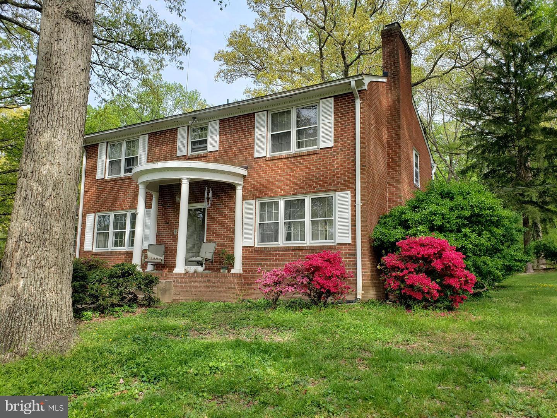 Single Family Homes pour l Vente à Fairfax, Virginia 22030 États-Unis