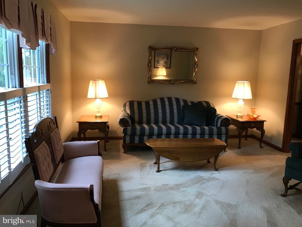 Formal living room - 12 HAMLIN DR, FREDERICKSBURG