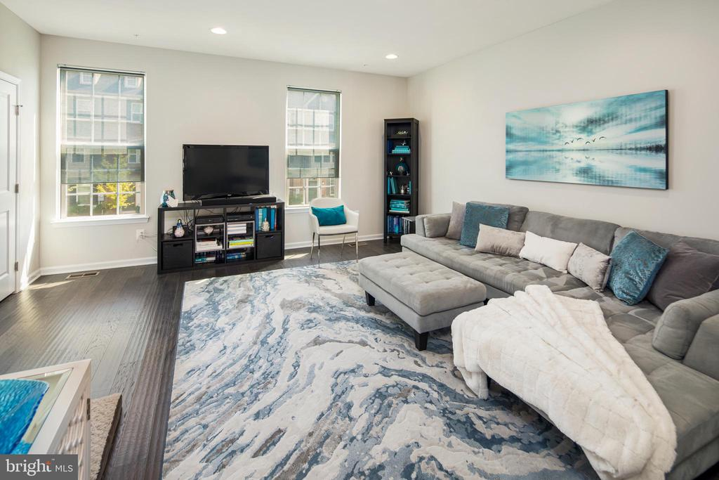 Main level living space is beautifully open - 8206 MINER ST, GREENBELT
