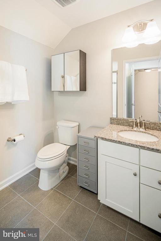 3rd Bedroom/Top Floor, Full Bathroom - 8206 MINER ST, GREENBELT