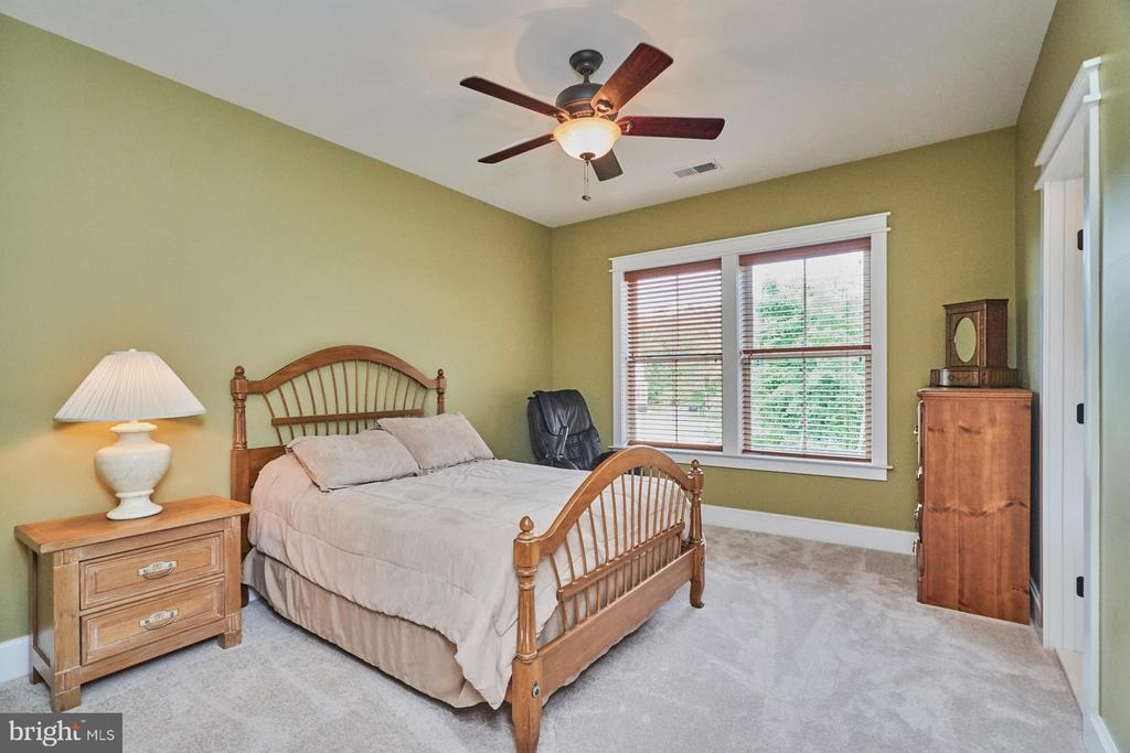 Upper Level, 2nd Bedroom; each w/ Private Bathroom - 14428 EAGLE ISLAND CT, GAINESVILLE