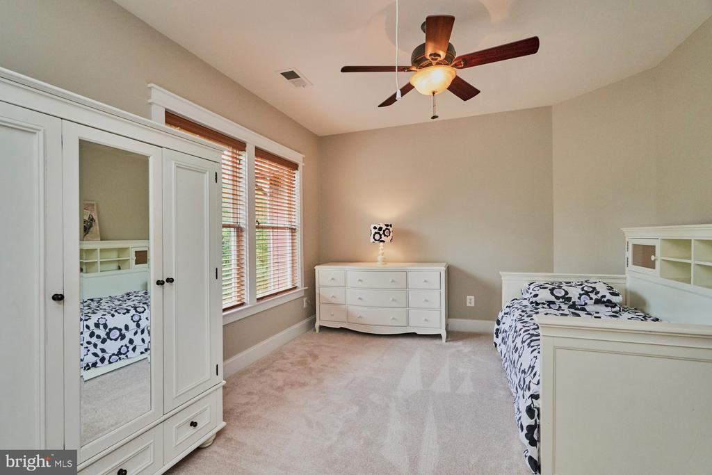3rd Bedroom with large closet - 14428 EAGLE ISLAND CT, GAINESVILLE