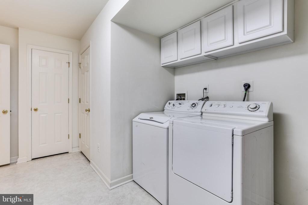 Large Laundry room - 11016 DORSCH FARM RD, ELLICOTT CITY