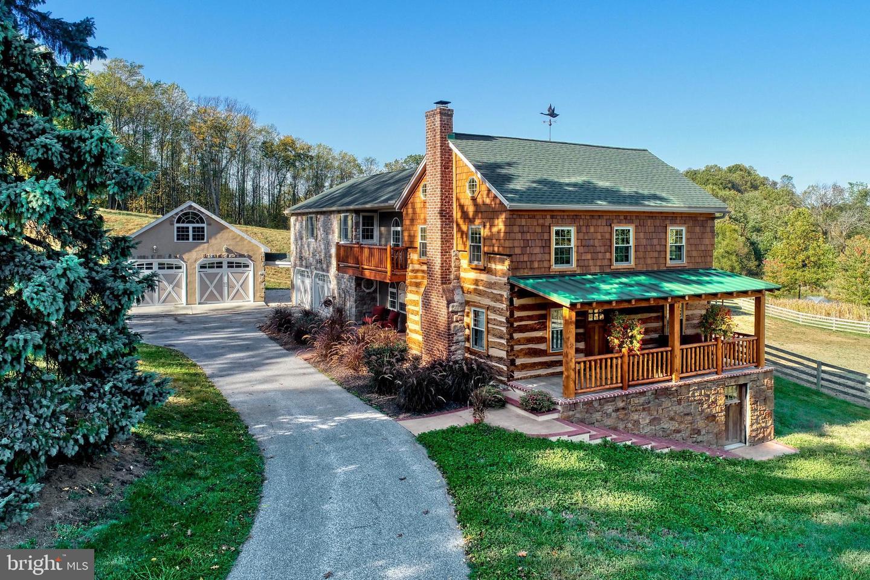 Single Family Homes 為 出售 在 Spring Grove, 賓夕法尼亞州 17362 美國