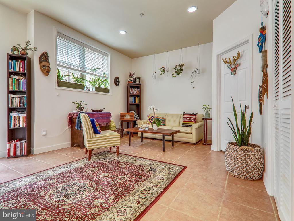 Living room - 3350 17TH ST NW #T2, WASHINGTON