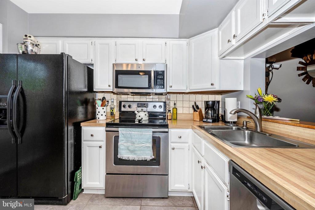 Kitchen - 6695 SEAGULL COURT, FREDERICK