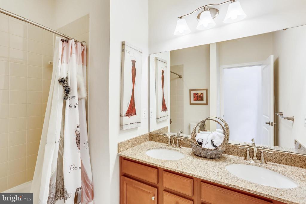 Upper  Level 3rd full bathroom - 22362 BRIGHT SKY DR, CLARKSBURG