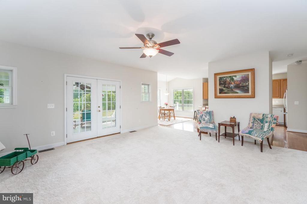 Family room is the focal point of entertainment - 160 WILLOWDALE LN, FREDERICKSBURG
