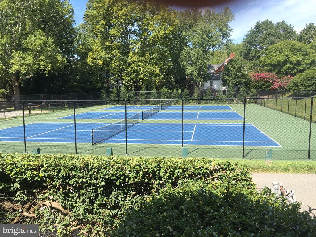 Somerset Tennis Courts, Photo TownofSomerset.com - 4909 FALSTONE AVE, CHEVY CHASE