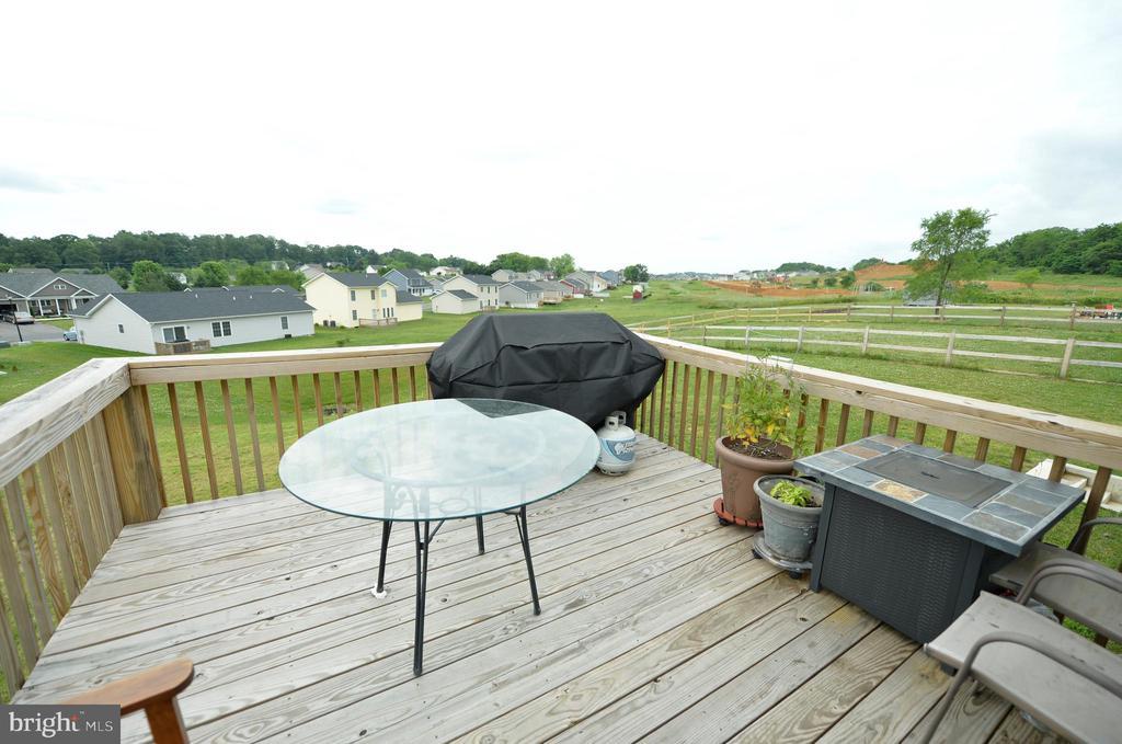 12' x 12' deck - 540 SPYGLASS, MARTINSBURG