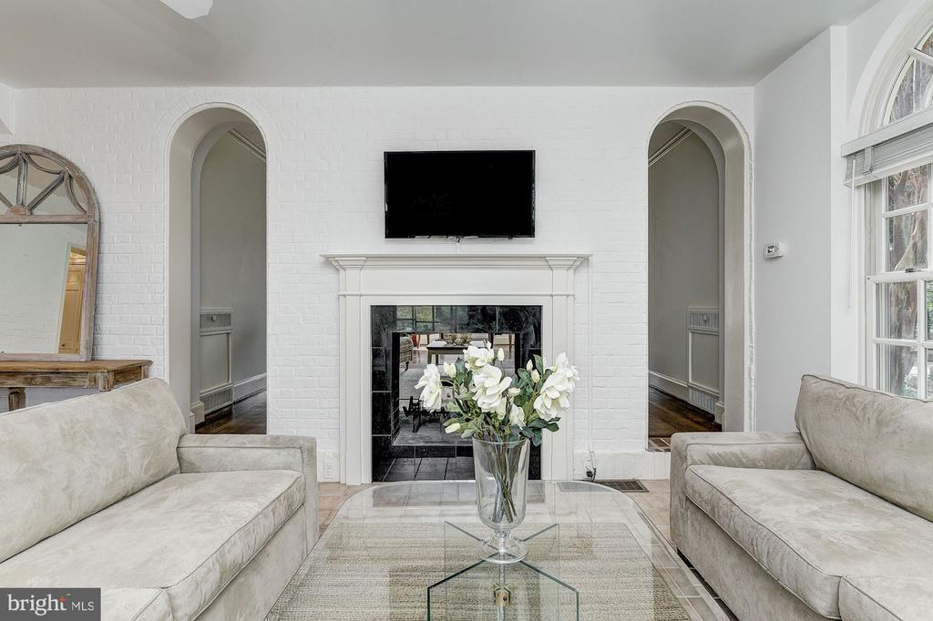 Family Room - 6600 KENNEDY DR, CHEVY CHASE