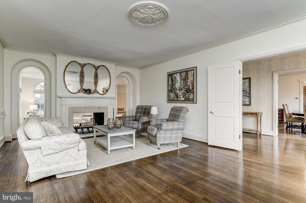 Living Room - 6600 KENNEDY DR, CHEVY CHASE