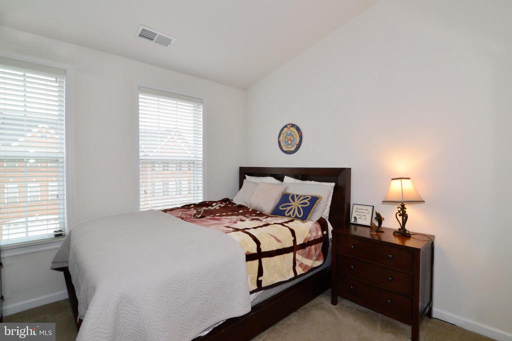 Bed 2 - 43275 MITCHAM SQ, ASHBURN