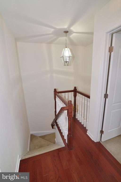 Upstairs Landing - 43275 MITCHAM SQ, ASHBURN