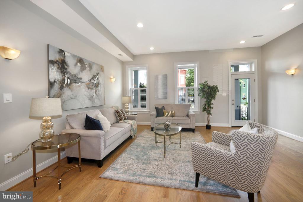 Living Room (other view) - 1122 6TH ST NE, WASHINGTON