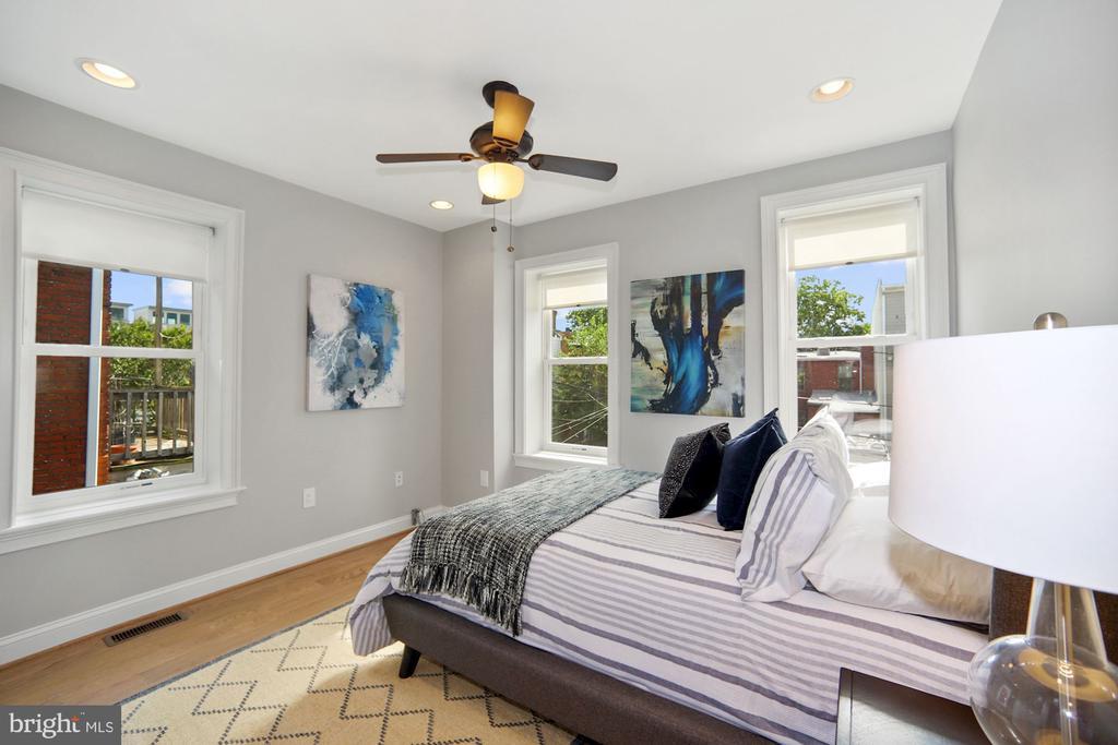 Fourth Bedroom.  Boasts it's own full bath. - 1122 6TH ST NE, WASHINGTON