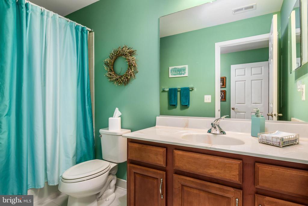 Third Bathroom - 44557 GRANITE RUN TER, ASHBURN