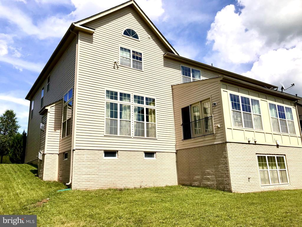 Huge extension on the main level & basement - 14414 BROADWINGED DR, GAINESVILLE