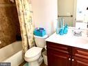 Upgraded bathroom on upper level - 14414 BROADWINGED DR, GAINESVILLE
