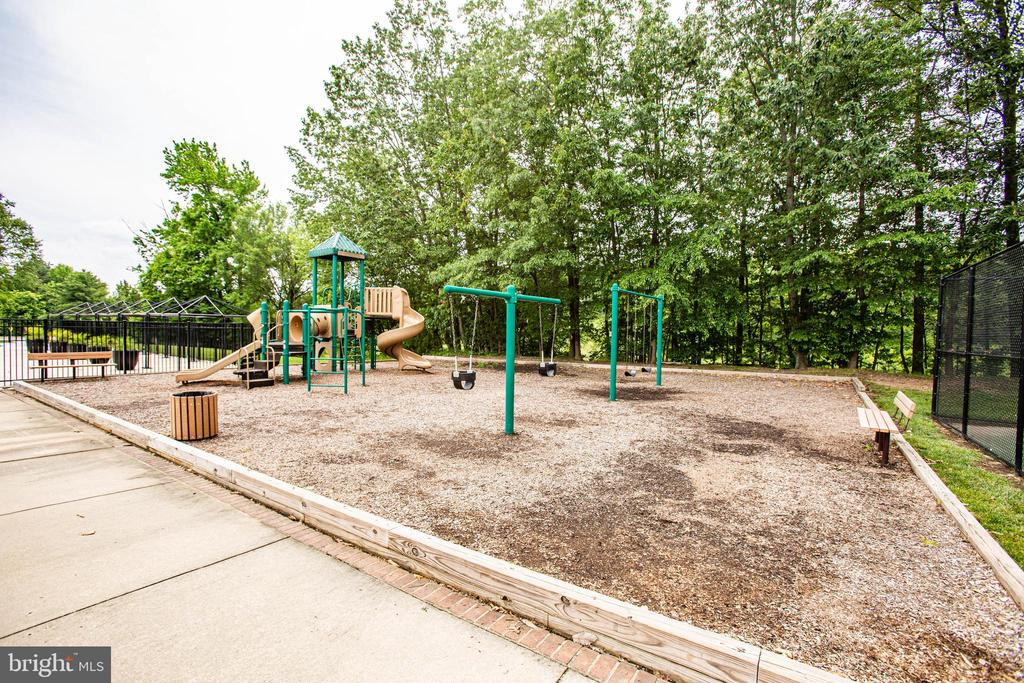 Tot Lot community park - 7459 CROSS GATE LN, ALEXANDRIA