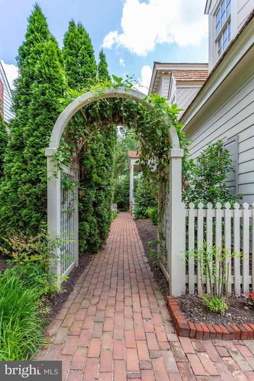 Charming Entry to the Home's Front from the Street - 9902 PALACE GREEN WAY, VIENNA