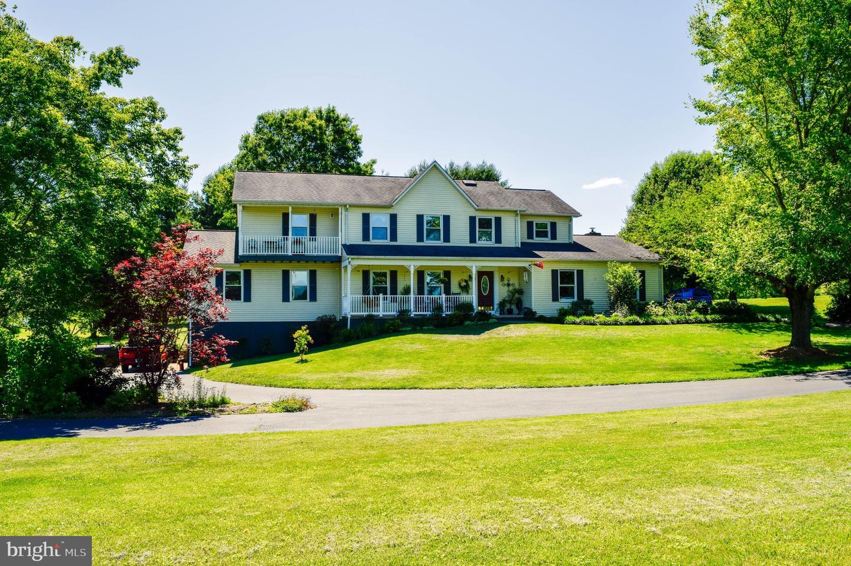 Single Family Homes pour l Vente à Boston, Virginia 22713 États-Unis