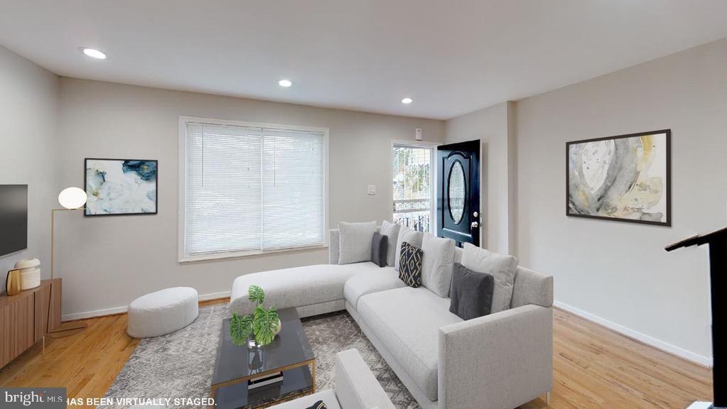 Living room - 2310 14TH ST NE, WASHINGTON
