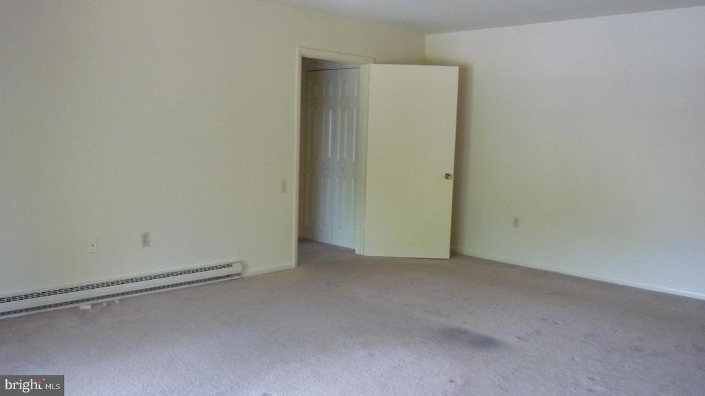 Large Living Room - 3429 N LEISURE WORLD BLVD N #88-3E, SILVER SPRING