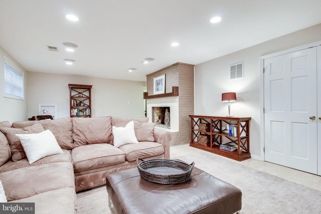 Large Rec Room - 4501 35TH RD N, ARLINGTON