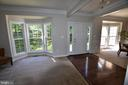 Crown molding accentuates the front living areas - 40 BELLA VISTA CT, STAFFORD